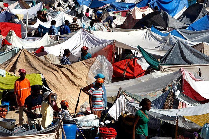 Haiti_tentcity