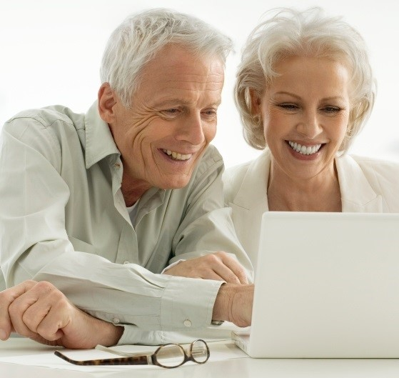 Older-donors-with-computer