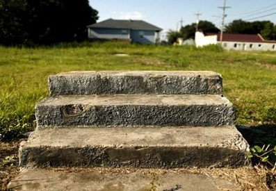 Katrina_steps_guardian