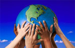 Globe_hands_for_PhilanTopic