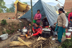 Family-tent-rural570-300x200