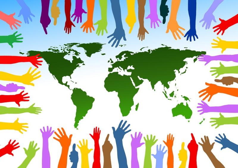 Community_friends_globe