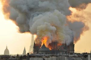 AP_France_Notre_Dame_Fire