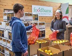 Foodbank_feeding_america