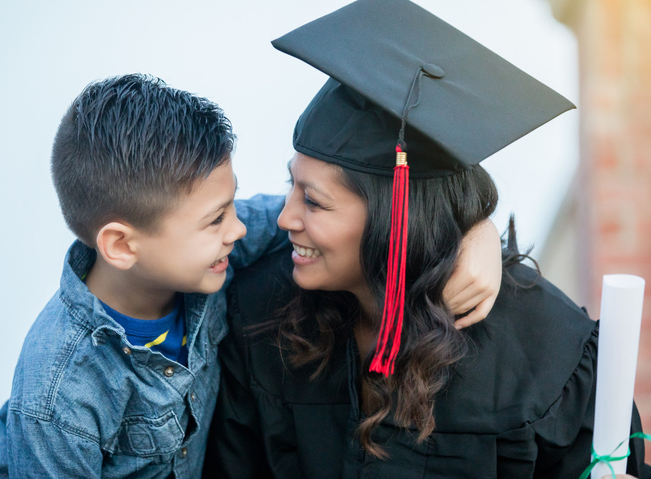Mother_college_student_son_GettyImages_PhilanTopicjpg