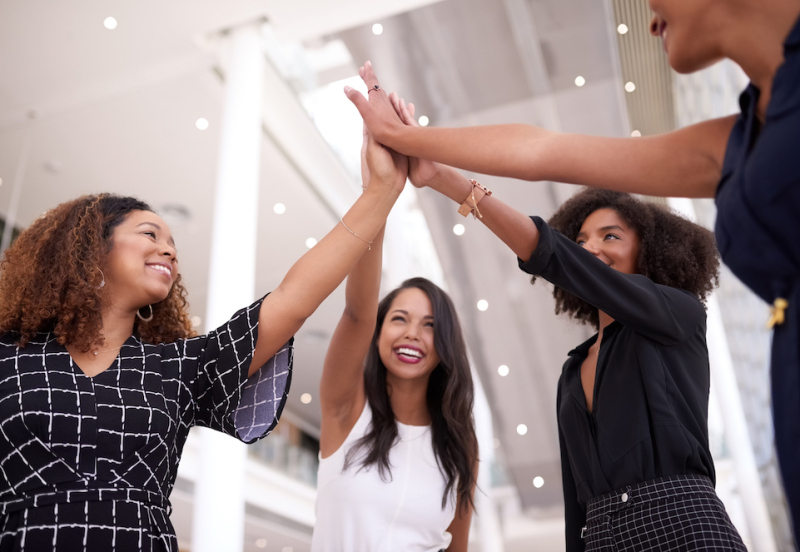 Women_high_fives_GettyImages_PhilanTopic