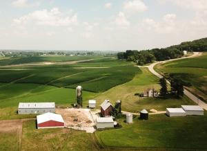 Rural_wisconsin_farm_john-reed_unsplash