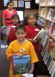 Children_with_books_3